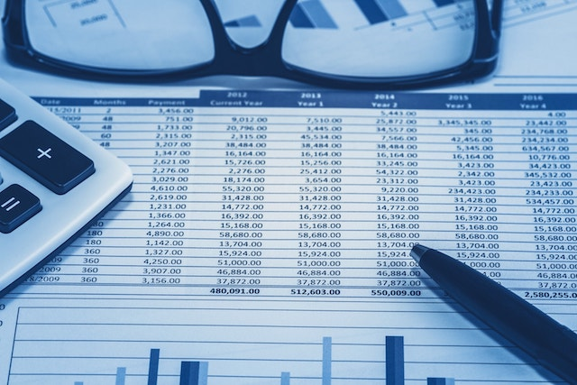 When You Should Hire an Accountant?
