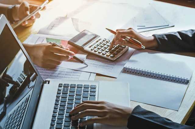 outsourcing-your-accounting-function-is-it-a-smart-move