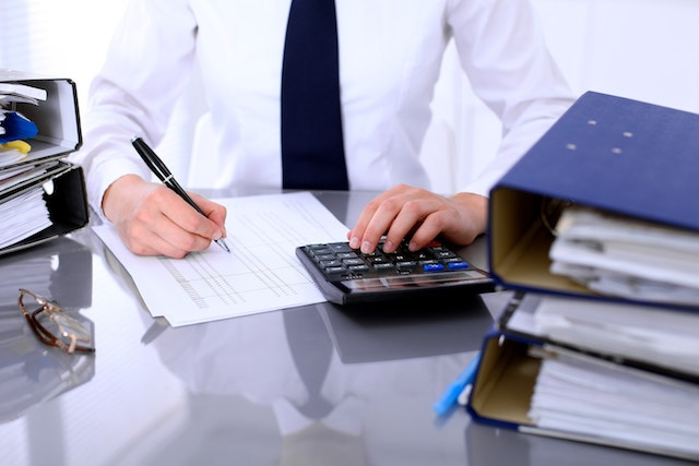 Hire A Professional Bookkeeper or Do It Yourself - Which Is Better For Your Business?