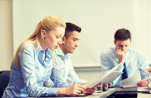 两个你的小企业必须获得的专业会计服务