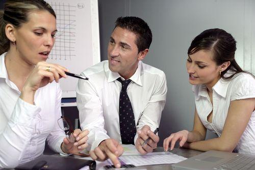 会计—审计、检阅和编制财务报表之间的区别是什么?