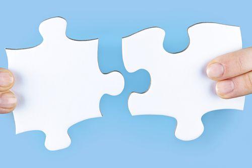 理解会计期间原则与配比原则之间的关系